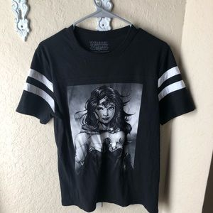 Other - Wonder Woman tee